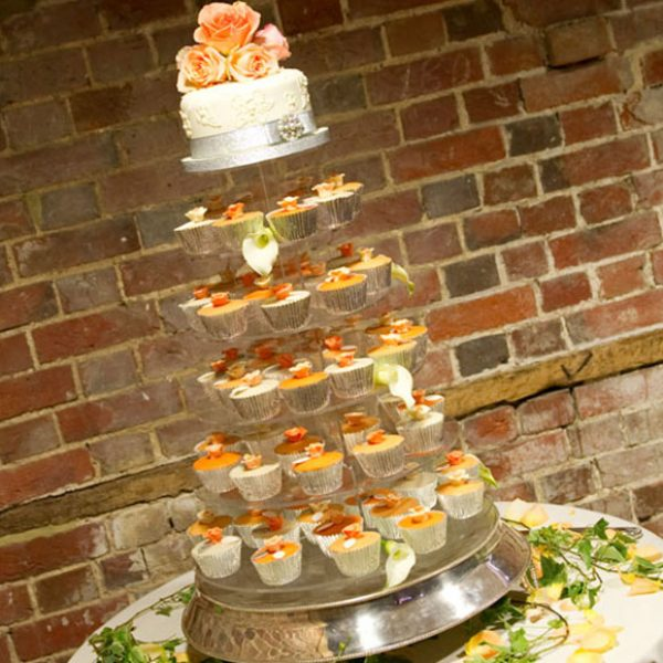 Orange cupcakes instead of a traditional wedding cake