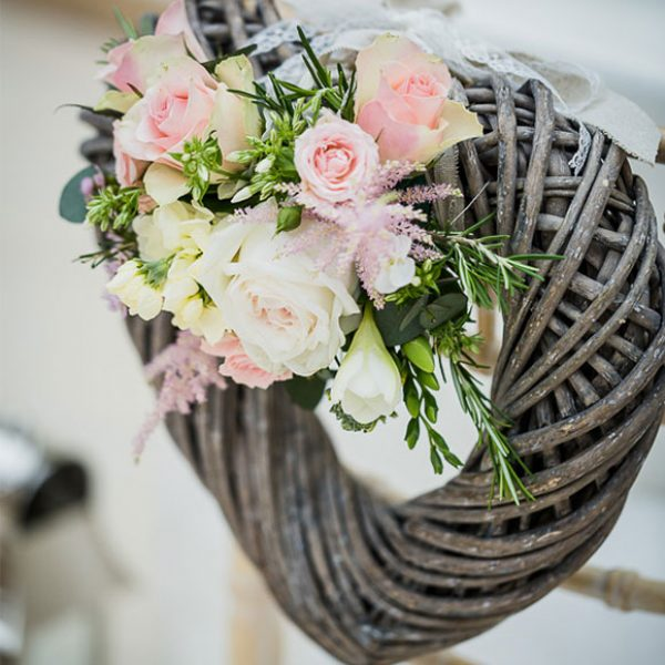 Wicker heart decoration – wedding ideas