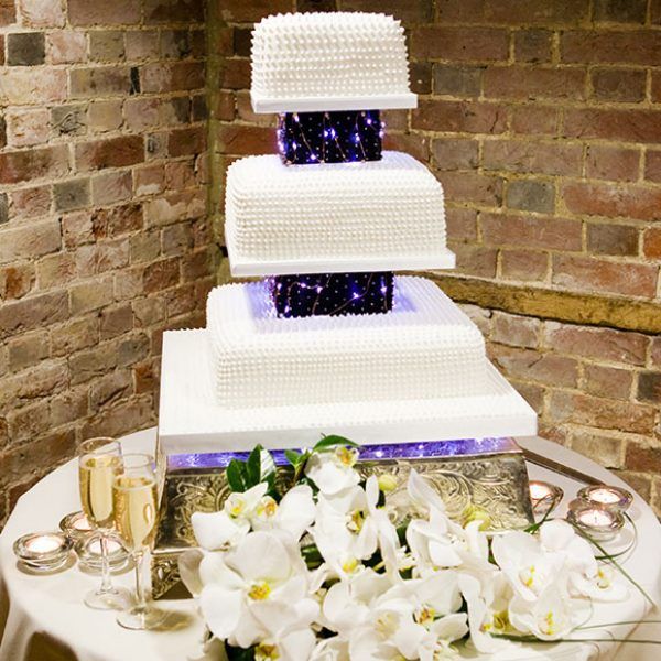 White cake for a winter wedding – venues in Essex