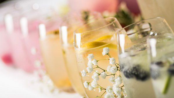 Enjoy refreshing wedding cocktails at Gaynes Park wedding venue in Essex
