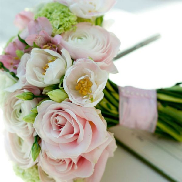 Pink and cream wedding bouquet for the bride