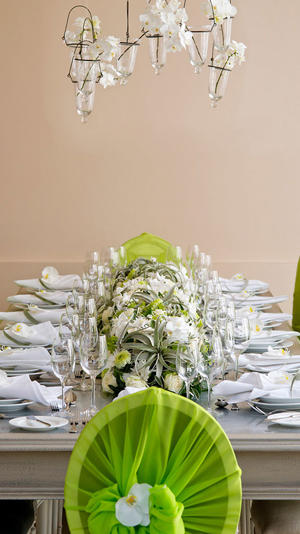Groovy Table Green Chair Covers Guest Accommodation Gaynes Park Inzonedesignstudio Interior Chair Design Inzonedesignstudiocom