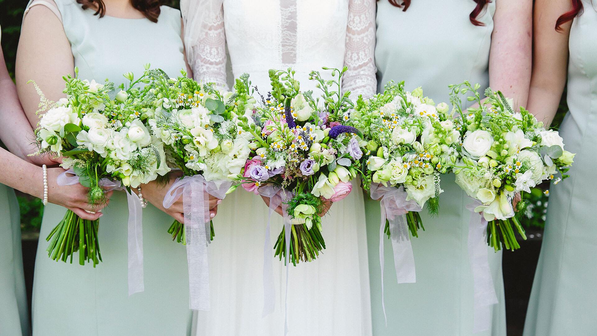 Pretty white and green wedding flowers - wedding ideas