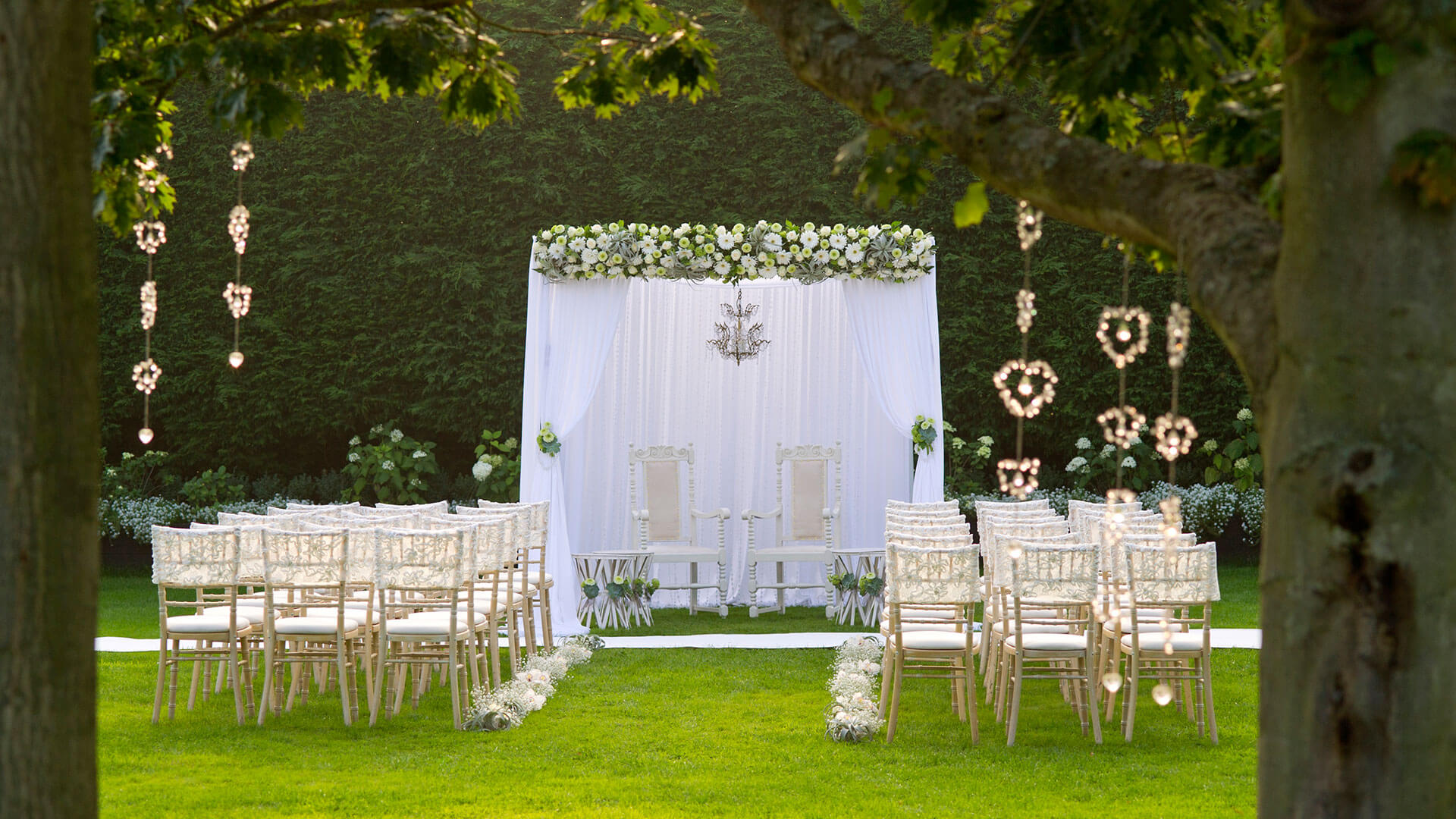 Outdoor Weddings In Essex