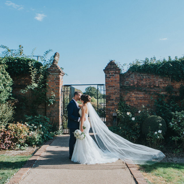 Amber & Brad's Beautiful Mid-week September Wedding