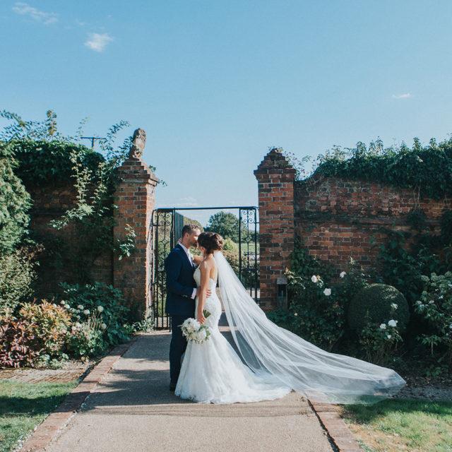 Amber & Brad's Beautiful Mid-week September Wedding